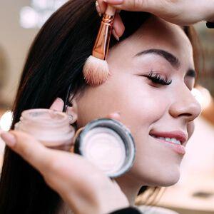 Makeup-doingmakeup-free-img.jpg